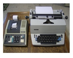 Facit_1820_Typewriter_with_1187_Calcualtor__SMALL_